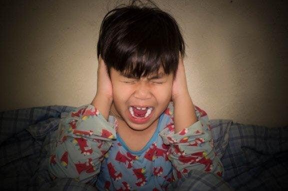 Дитячі істерики: 5 порад як запобігти неконтрольованому гніву