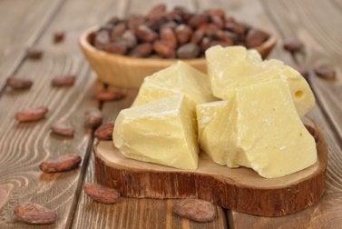 крем від розтяжок з какао-маслом
