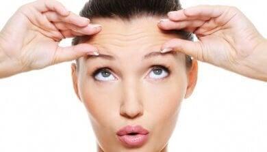 масаж обличчя від сухості очей