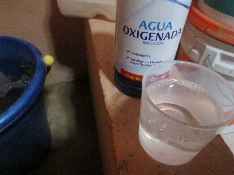 перекис водню для прибирання помешкання