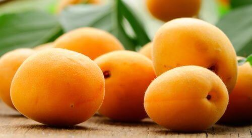 властивості свіжих абрикосів для здоров'я