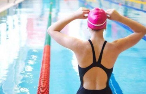 Як подолати страх перед водою і краще плавати