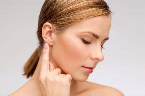 Природні засоби для лікування шуму у вухах