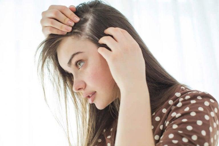 10 порад для природного зміцнення шкіри голови