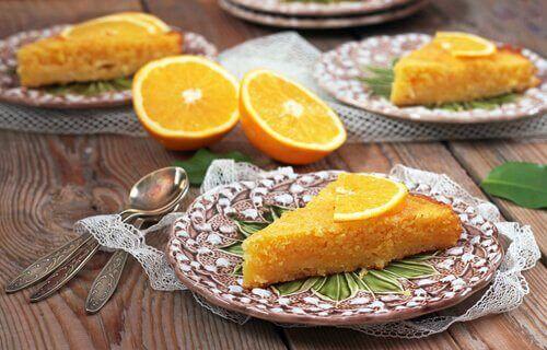 Домашній апельсиновий пиріг за п'ять хвилин