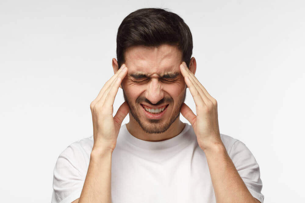 Як усунути сильний головний біль природним шляхом