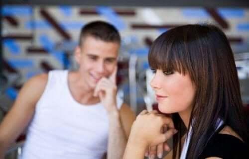 людина в інших стосунках у вас закохана