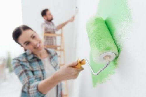 Помилки, які роблять під час фарбування стін