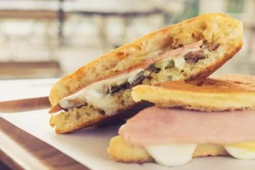 Спробуйте смачний домашній кубинський сандвіч
