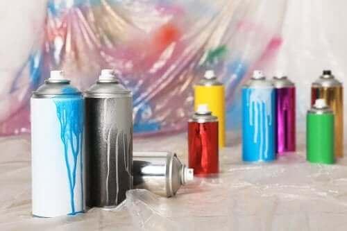 спрей-фарба для будинку