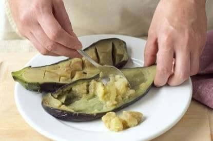 як приготувати фаршировані овочами баклажани