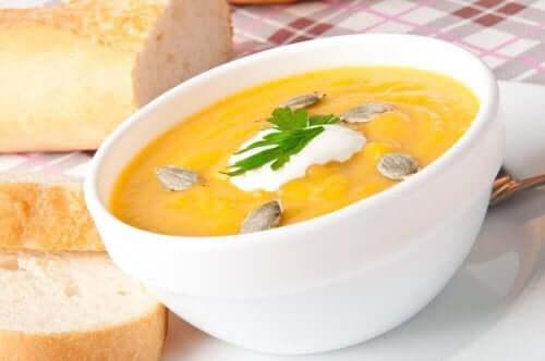 гарбузовий суп з насінням