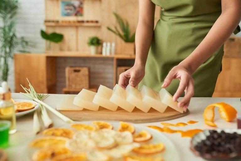 Як зробити ароматне гліцеринове мило