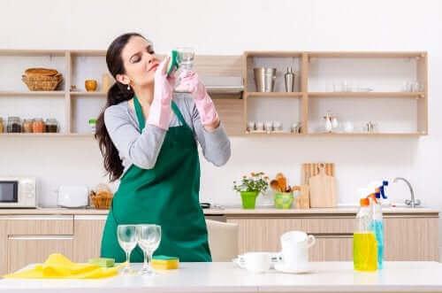 Очисник скла: п'ять альтернативних застосувань