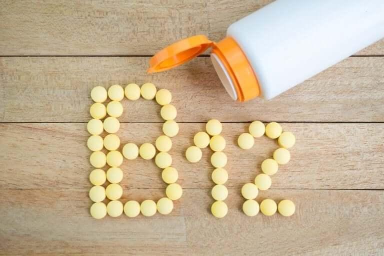 добова доза вітаміну В12
