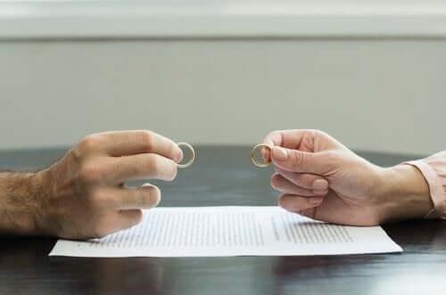 7 підказок, які допоможуть пережити болісне розлучення