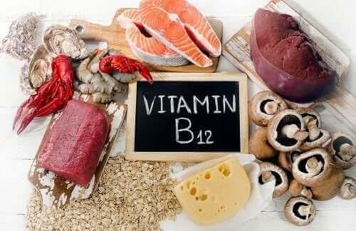 Що потрібно знати про вітамін B12