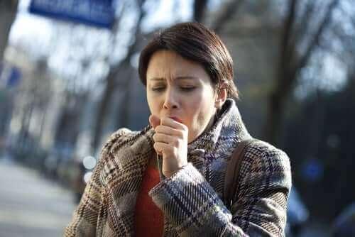 костохондрит викликає біль у грудях при кашлі