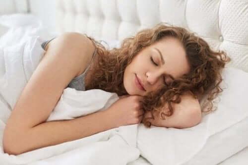 звички для запобігання нічному кислотному рефлюксу