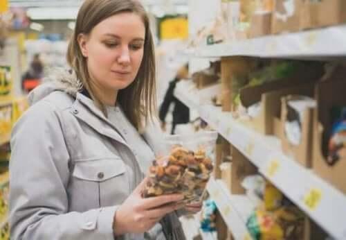Як зрозуміти зміст етикеток харчових продуктів?