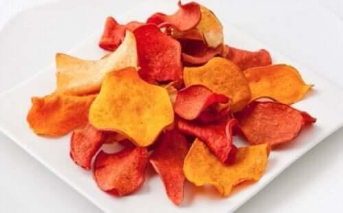 Як зробити баклажанові та інші овочеві чипси
