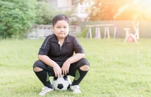 Вправи, які допоможуть перебороти дитяче ожиріння