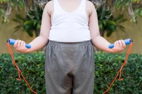 стрибки на скакалці - боротьба з ожирінням