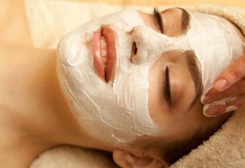 найкращі маски для обличчя з молоком