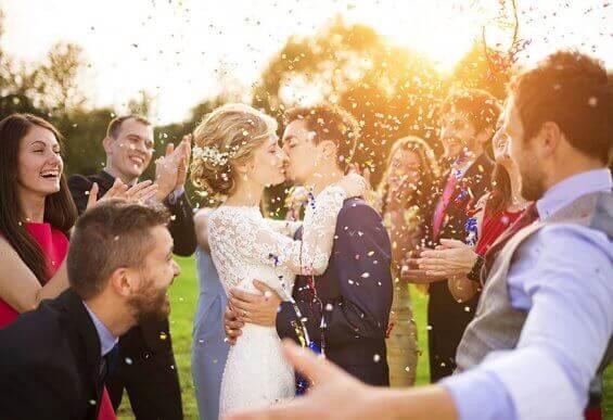 Що мають робити свідки на весіллі?