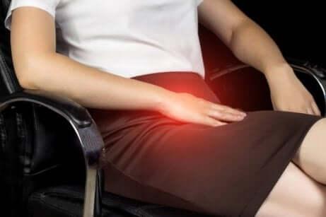 які симптоми має спортивна грижа