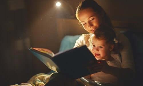 читання книг допоможе пережити смерть домашнього улюбленця