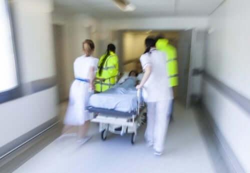 пацієнт потребує швидкої послідовної індукції