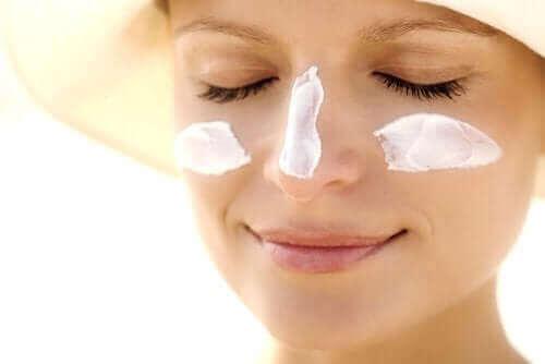 захист від сонця для омолодження шкіри