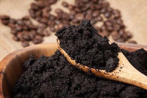 кава як натуральне добриво