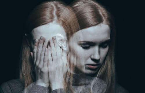 симптоми синдрому побитої жінки