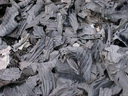 попіл від спалювання дерев