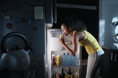 Синдром нічного харчування: що це таке?