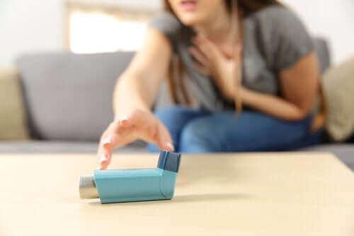 Гостра тяжка астма: симптоми та лікування