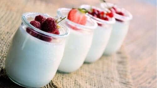 йогурт допомагає позбутися черевного жиру