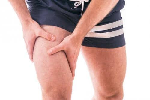 вправа на квадрицепс при колінному остеоартриті