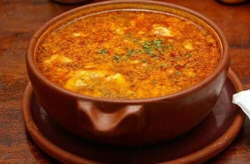 часниковий суп з чорізо