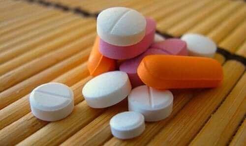 таблетки та опіоїди