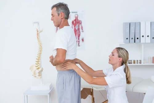 присідання щодня корисні для спини