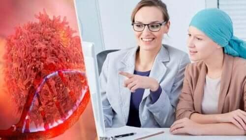 можливі симптоми раку яєчників