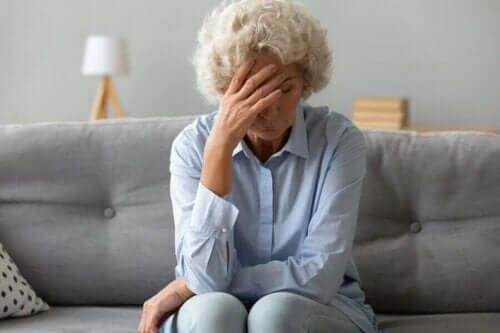 які симптоми раку яєчників