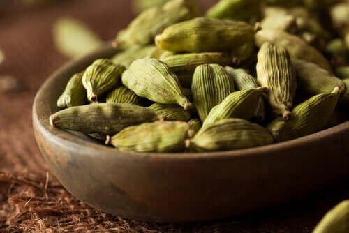 Науково доведені переваги кардамону