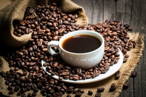 кофеїн допомагає позбутися жиру