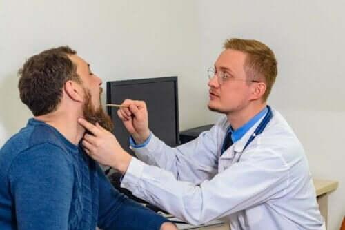 як лікувати набряклі голосові зв'язки