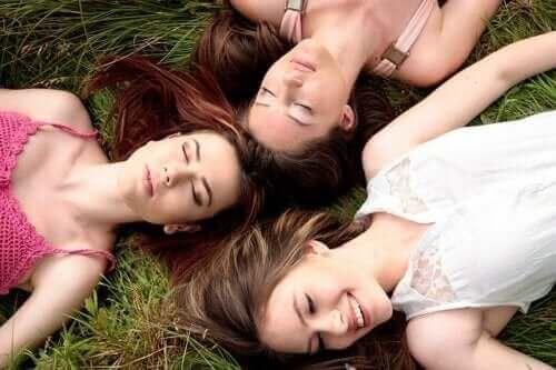 Чи правда, що менструальні цикли синхронізуються?