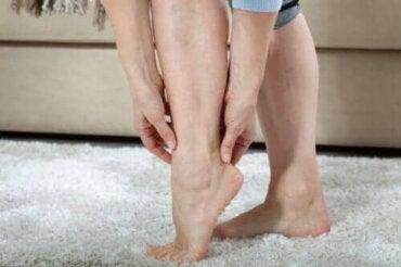 Що потрібно знати про важкість у ногах